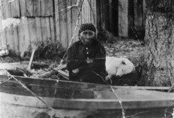 Mary Adams and her West Coast wool dog Jumbo are pictured in this 1912 photo. (Suquamish Museum archives)